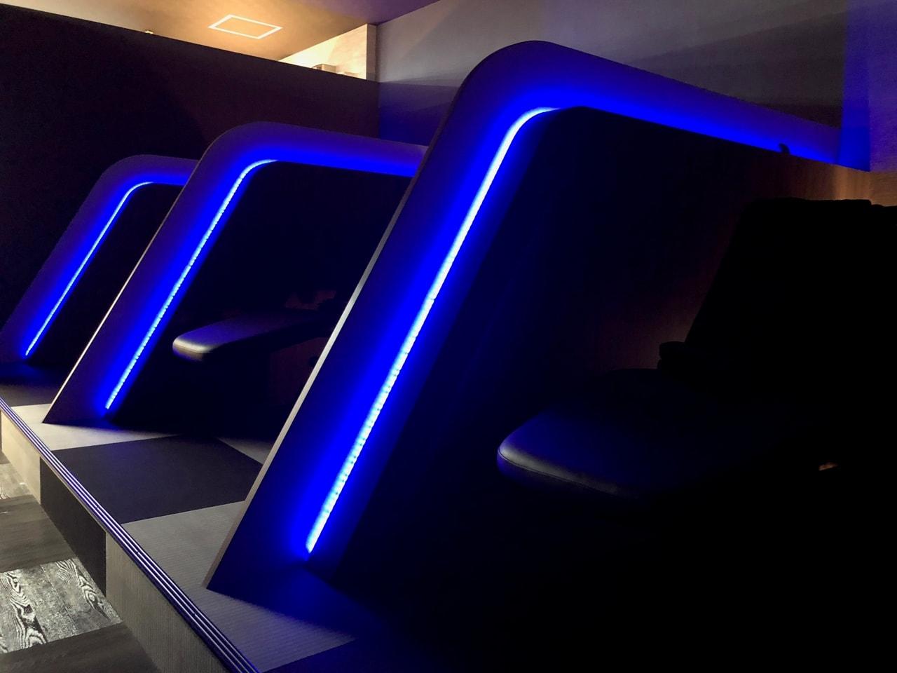 椿のこころ - LEDリクライニングシート